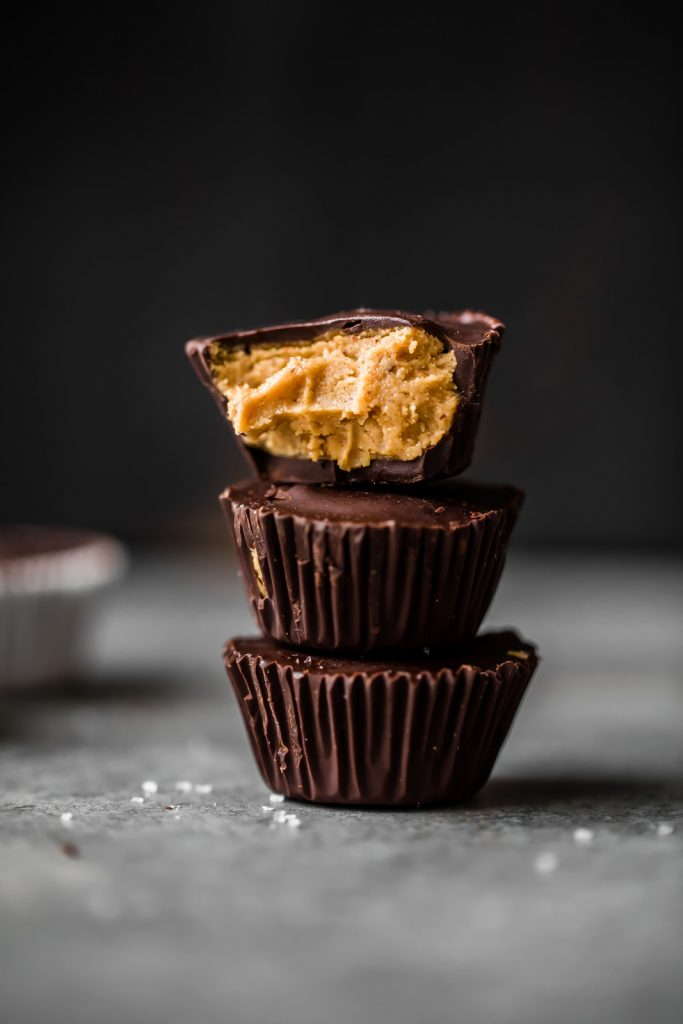 Homemade healthy peanut butter cups that are easy to make right at home! Low carb, low sugar, vegan and gluten-free. Keep these in the fridge or freezer when you need a healthy treat.