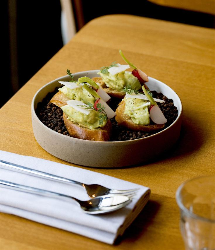 Hugo & Co - Crostini with avocado, radish and Parmesan @Pierre Lucet Penato