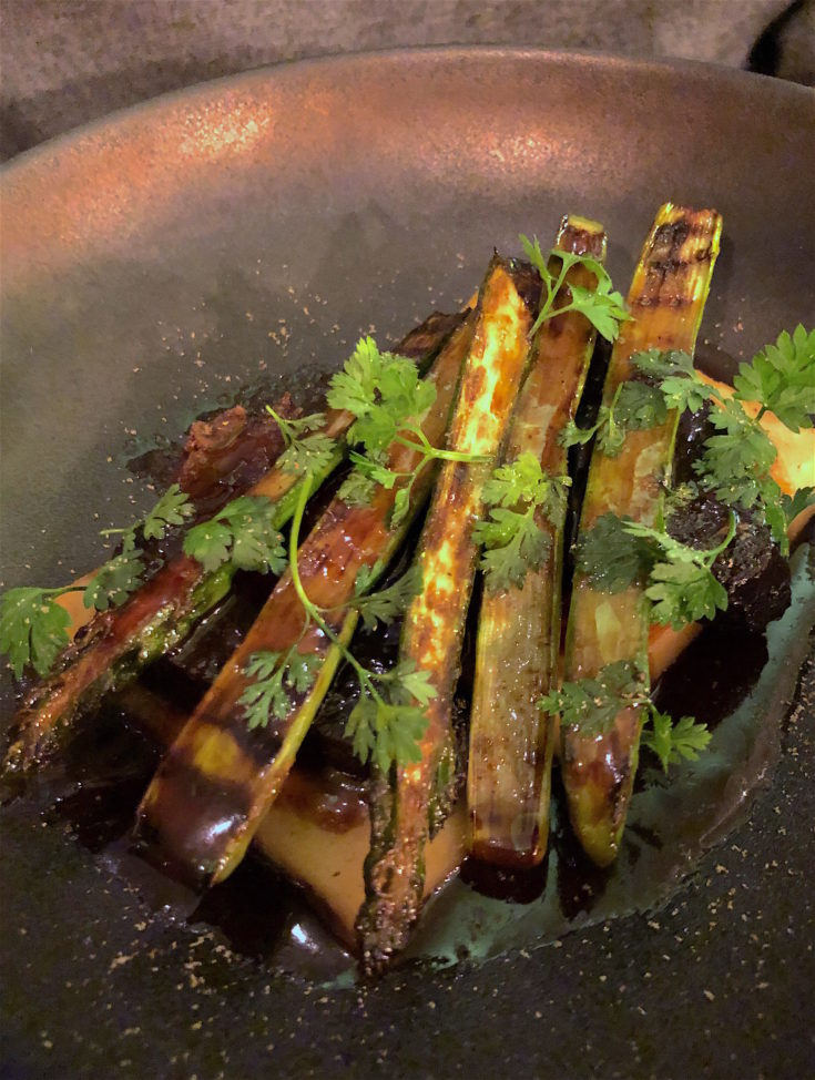 Hugo & Co - Braised beef cheeks with asparagus @Alexander Lobrano