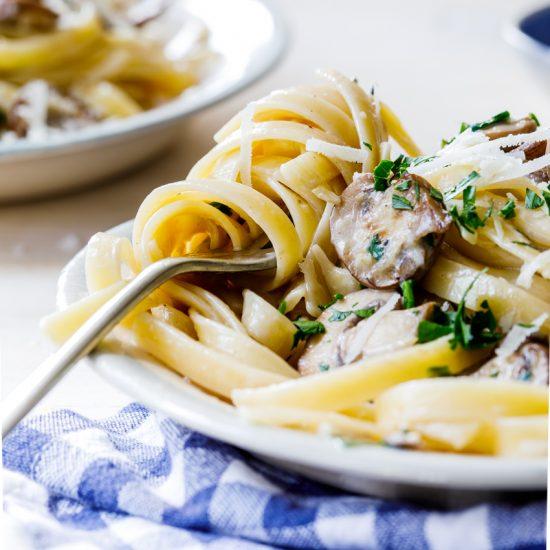Easy creamy lemon garlic mushroom pasta