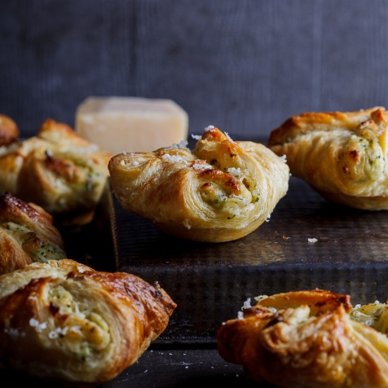 Broccoli cheese puffs
