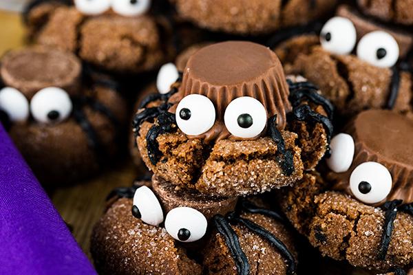 easy halloween spider cookies 5
