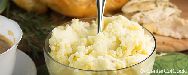 Mashed potatoes with cream cheese and sour cream