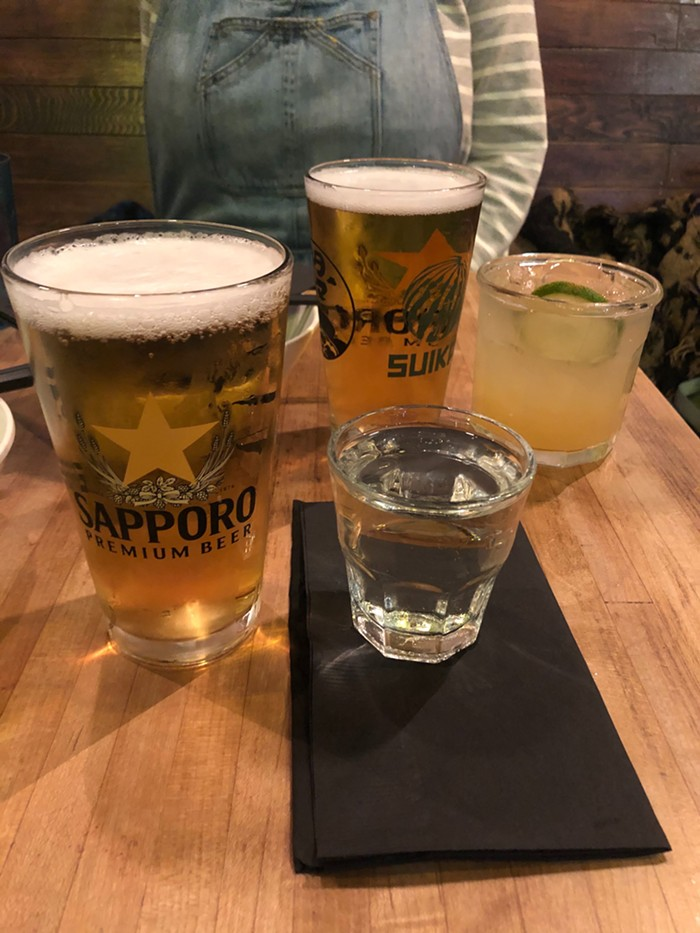 Suika's ten-bero set comes with a pint of Sapporo and your choice of either sake or a Moscow Mule. It will