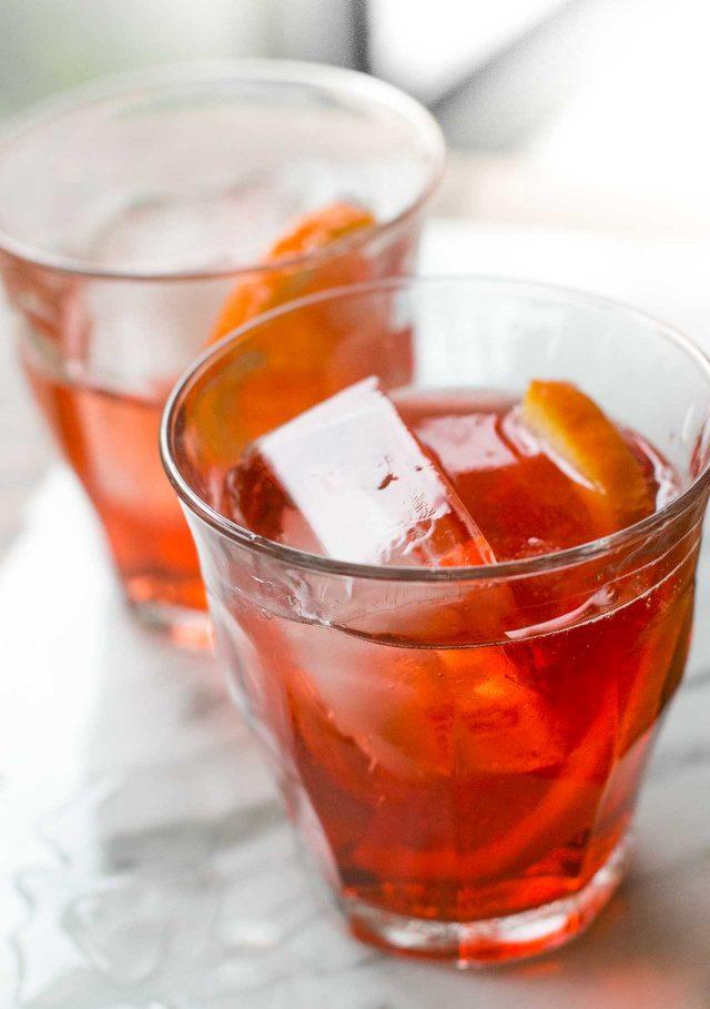 Negroni Sbagliato spritz cocktail