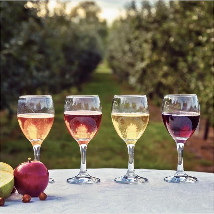 Take full advantage of Washingtons apple bounty with crisp, refreshing offerings from Washington Cider Week.